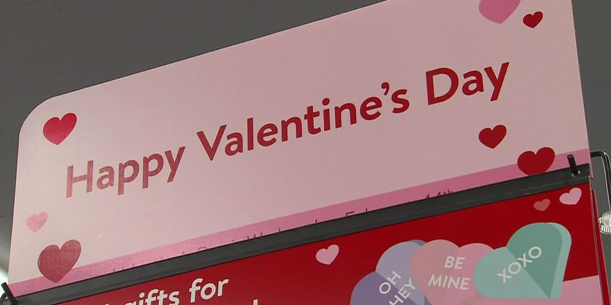 Americans will spend record amounts of cash this Valentine's Day, survey says