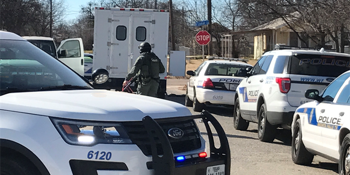 Police standoff leads to arrest