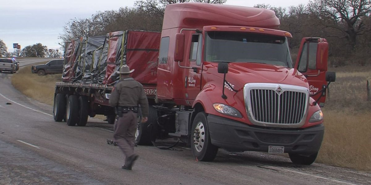 Woman dead after car crash on U.S. 281