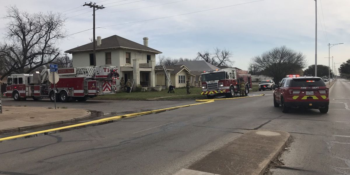 Crews work to extinguish house fire in Wichita Falls