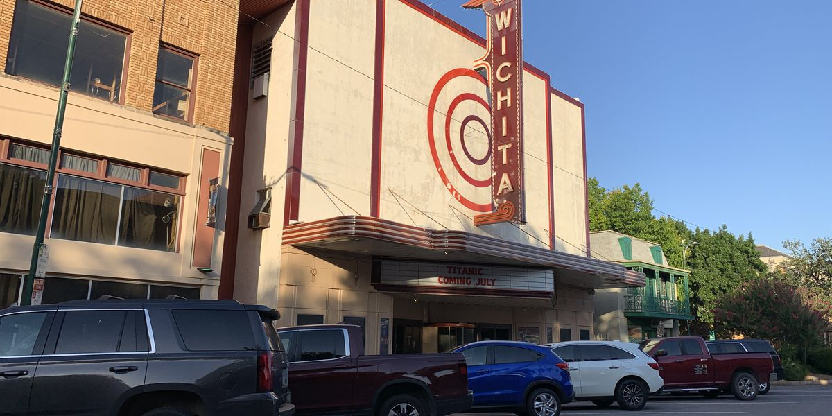 Wichita Theater showing classic films on the big screen