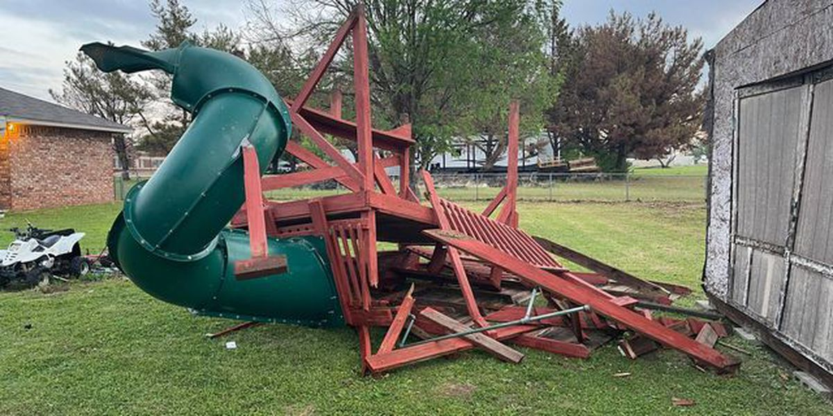 Cleanup continues in Burkburnett after Monday storm