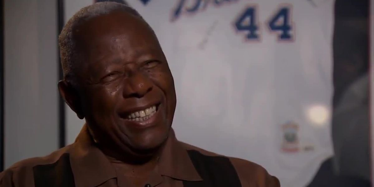 Baseball Hall of Famer Hank Aaron dies