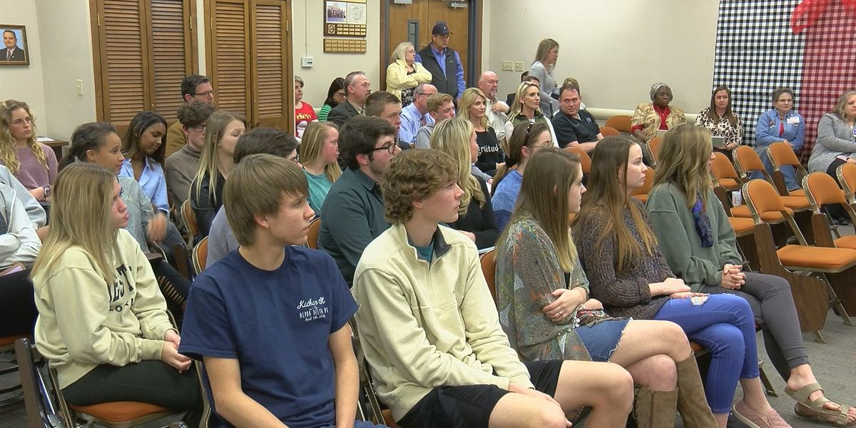 WFISD students share concerns with school board members