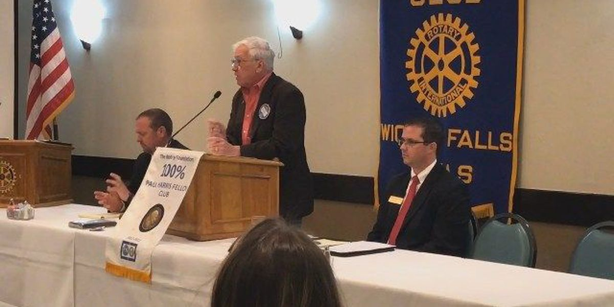 30th District judge candidates debate for position