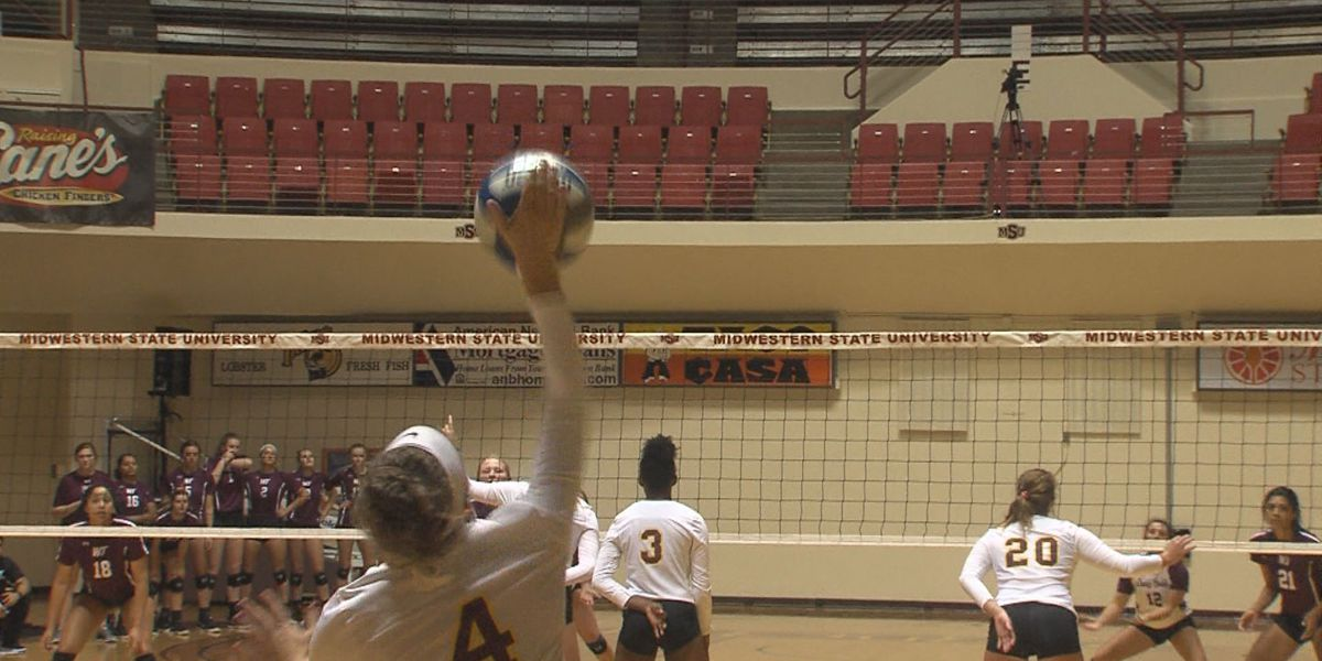 West Texas Lady Buffs sweep Midwestern State volleyball