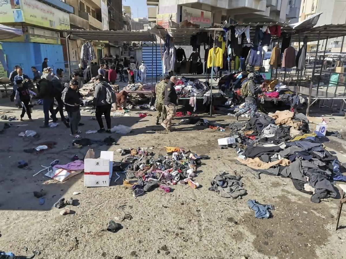 Twin suicide bombings rock central Baghdad, at least 32 dead