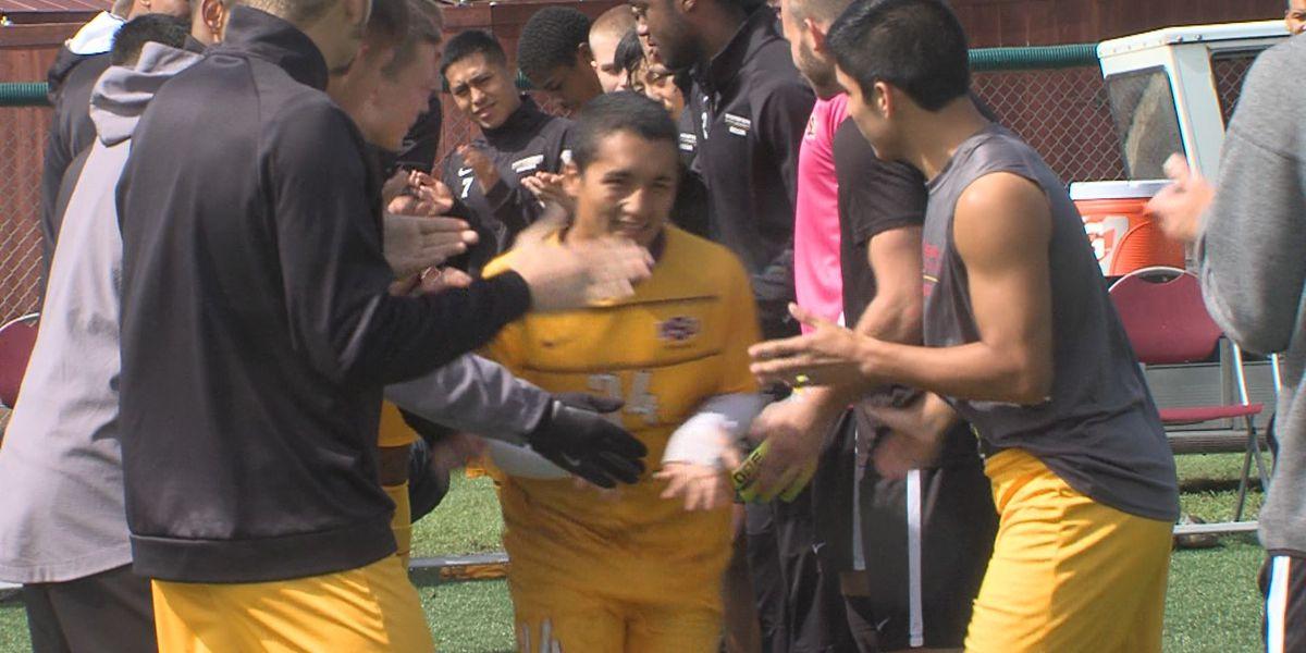 #3 Midwestern State men's soccer unbeaten run snapped by WT golden goal