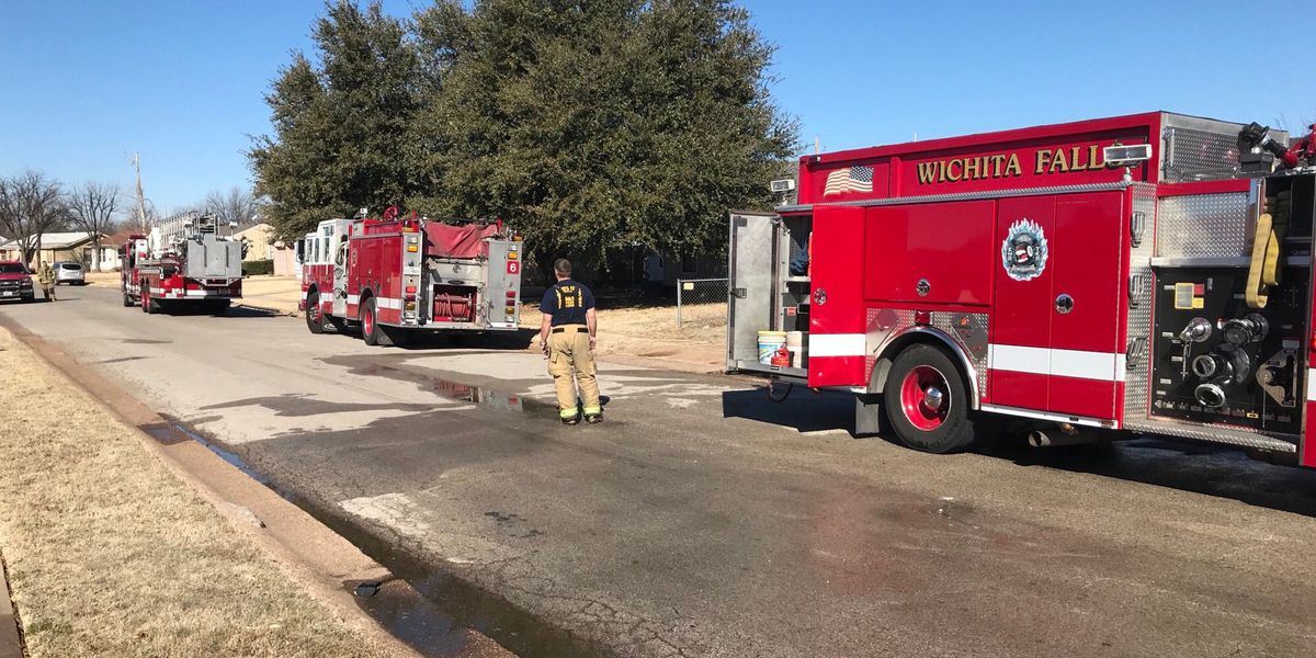 Crews respond to house fire in Wichita Falls