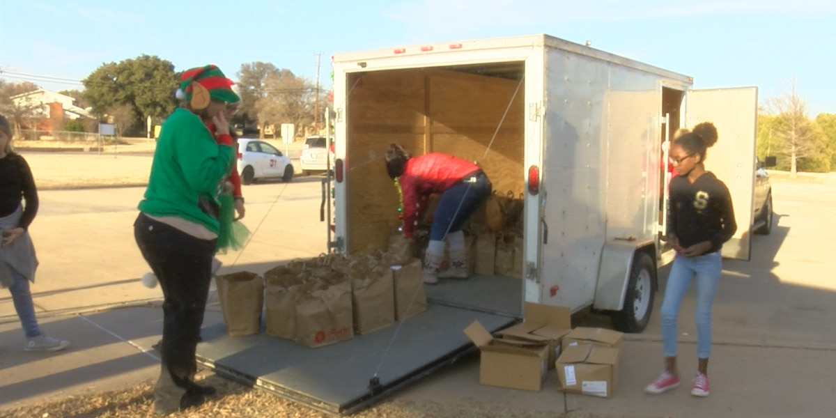 Church donates Christmas meal to families of WFISD elementary school