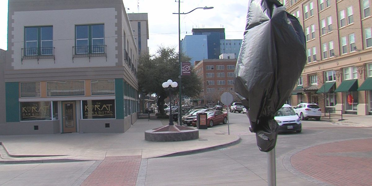 City unveils new four-way stop signs downtown