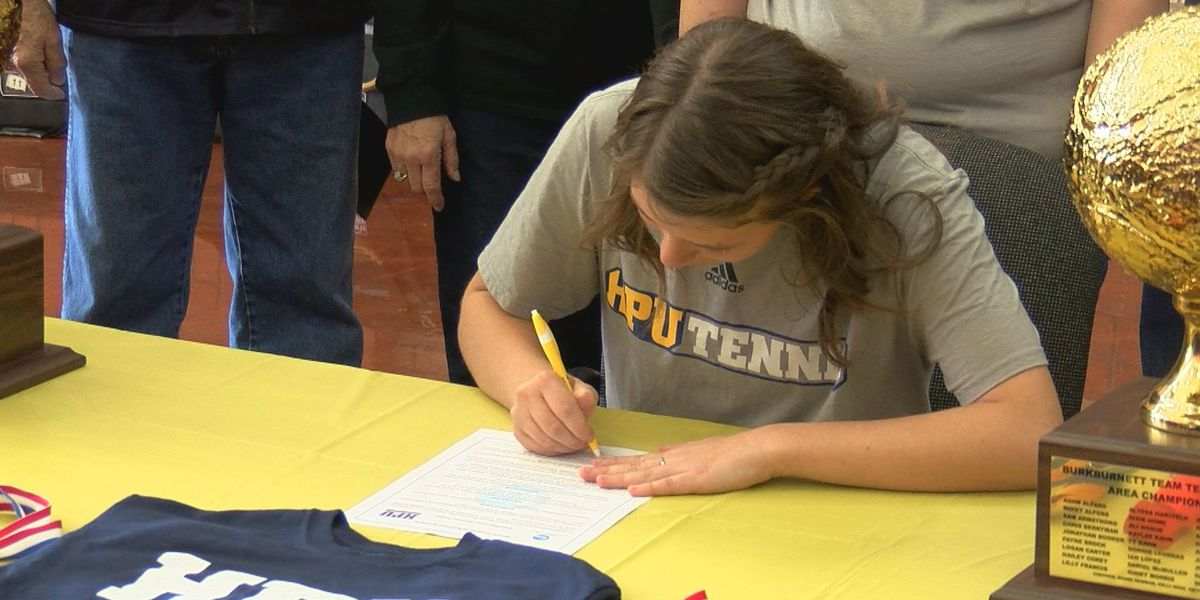 Burkburnett's Hogue signs to Howard Payne