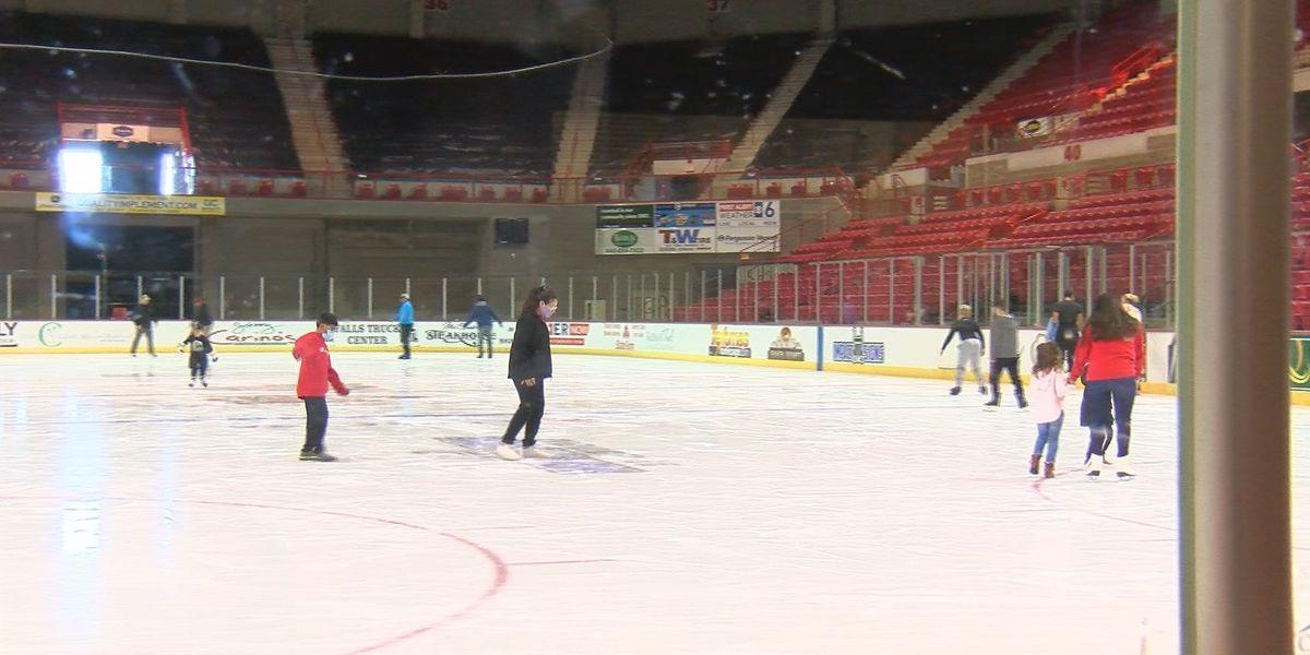 Public skate draws in dozens during break
