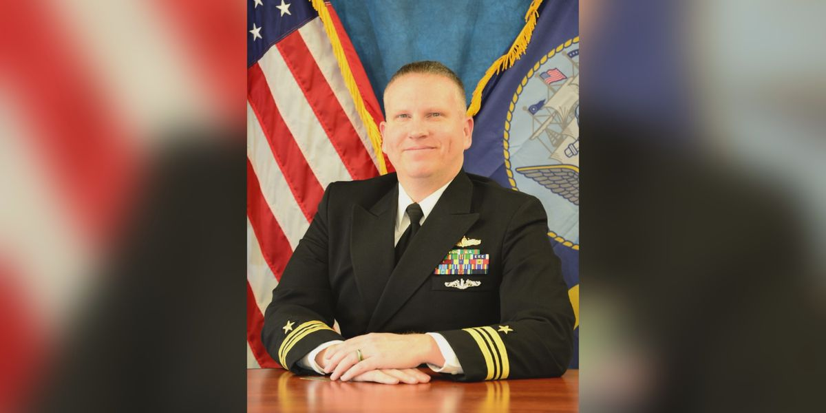 Burkburnett graduate retires from U.S. Navy