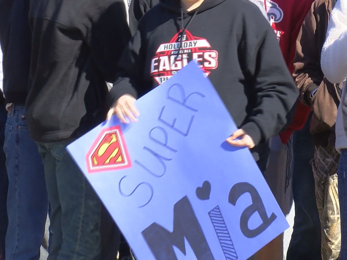 Holliday student returns home to warm welcome
