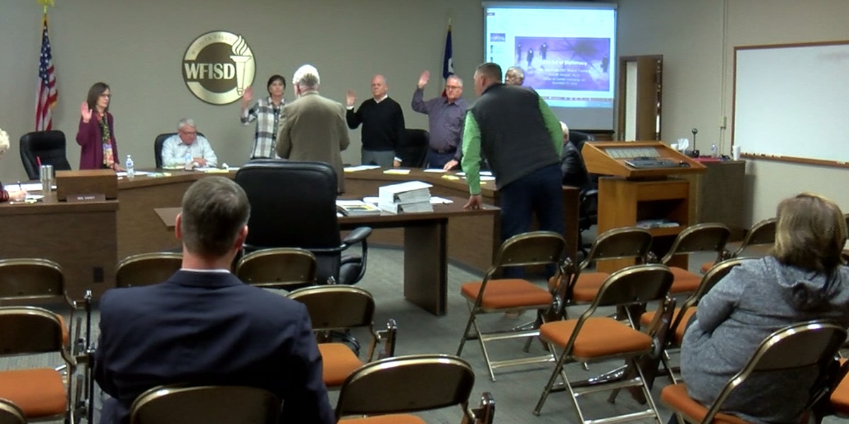 WFISD board members get sworn in; discuss possible bond election