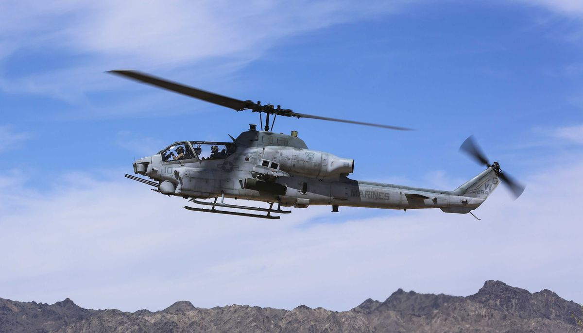 2 pilots killed in marine helicopter crash in arizona