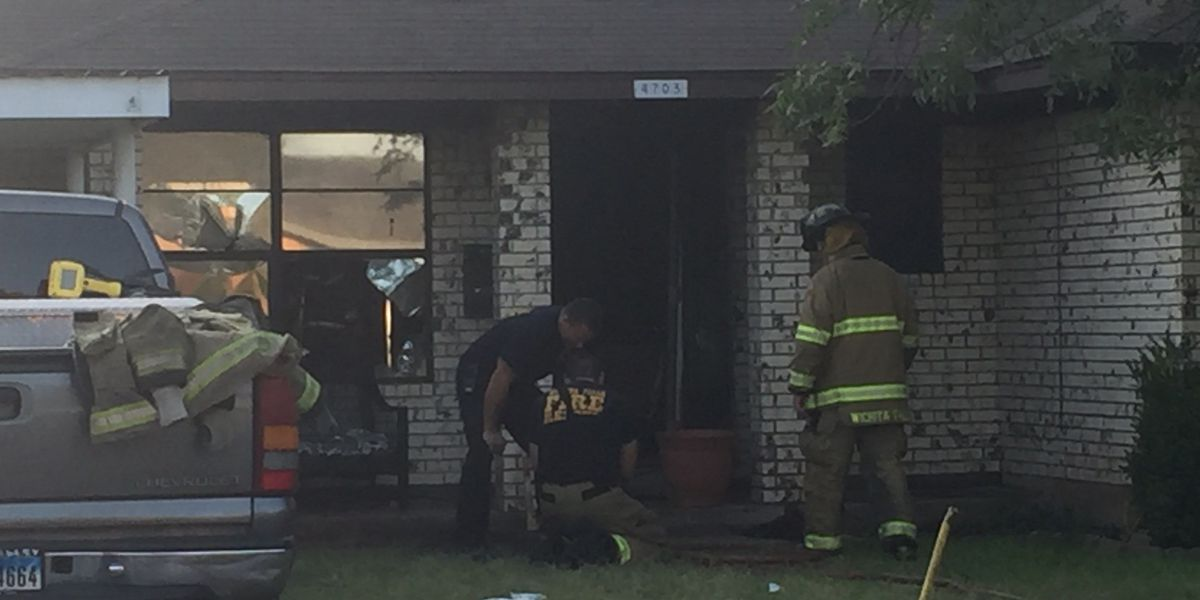 Early morning house fire leaves Wichita Falls man injured