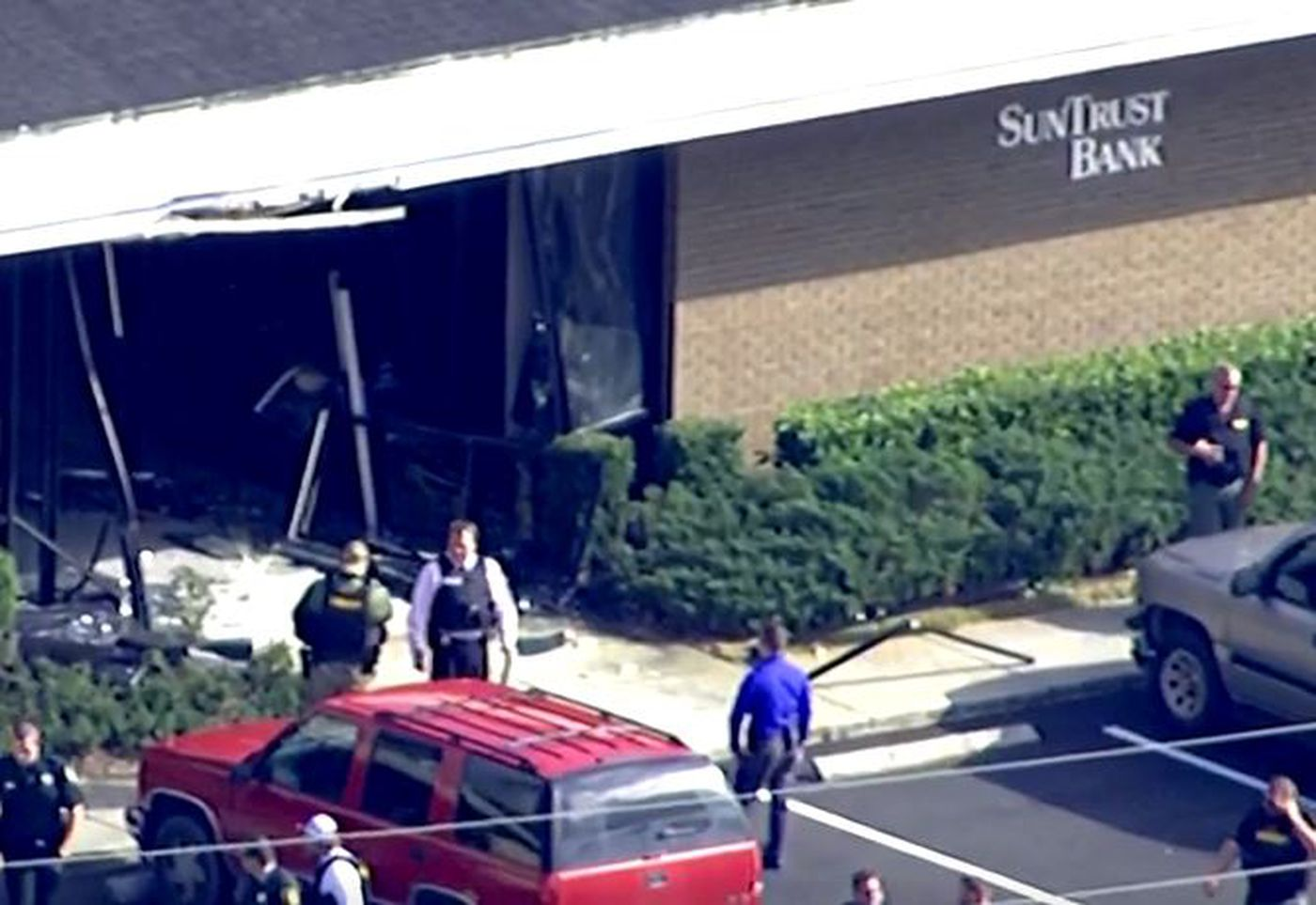 5 dead after shooting at SunTrust bank in Florida
