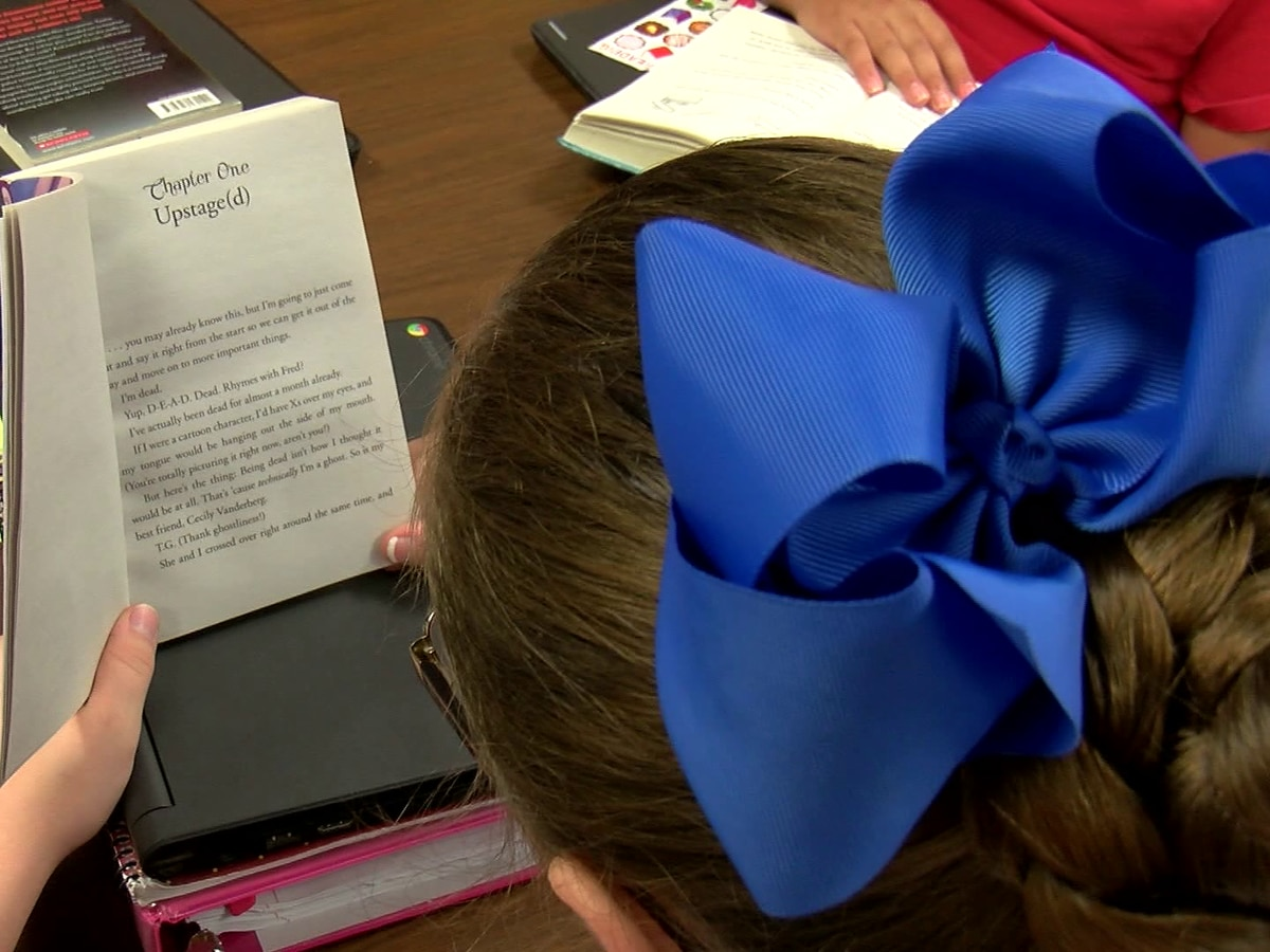 Bows help WFISD teacher tie strong relationships with students