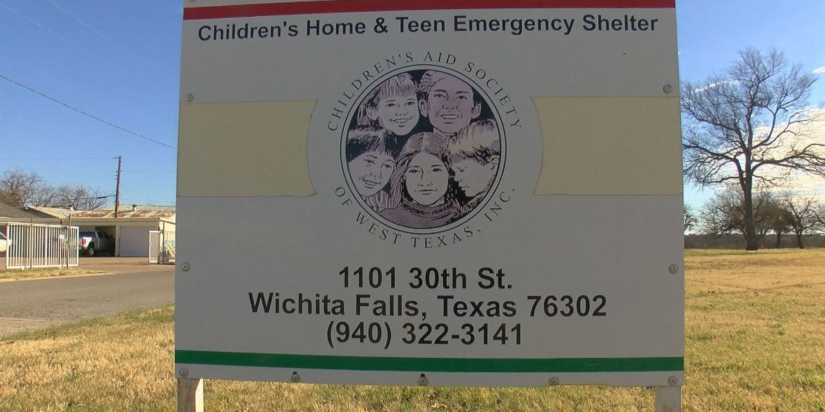 Government shutdown affecting teen shelter