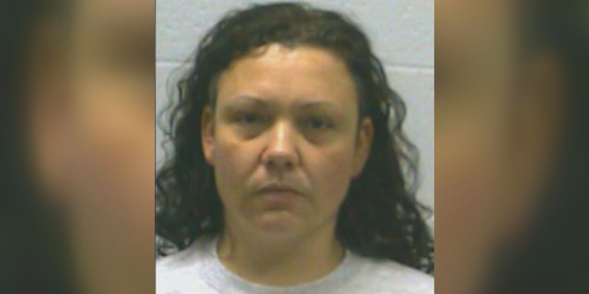 Department of Corrections searching for Jackson County woman on the loose since last year