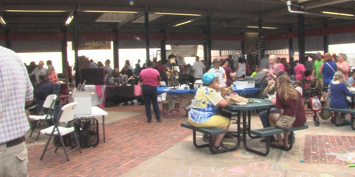 Hundreds come out to Farmer's Market for Black-Eyed Pea Day