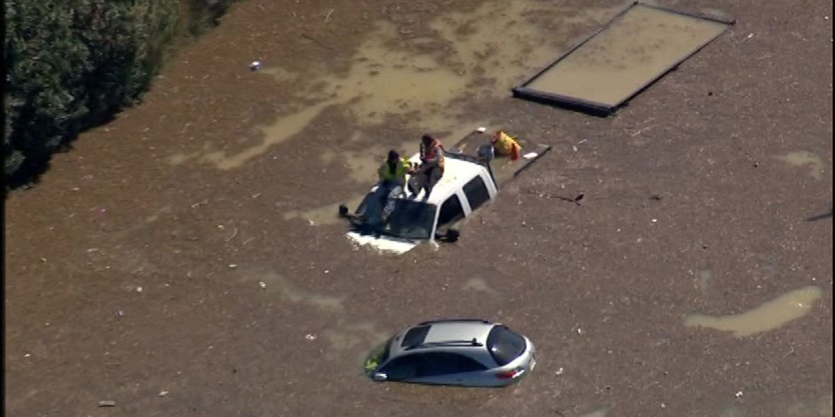 Water main break in Houston strands drivers, closes schools