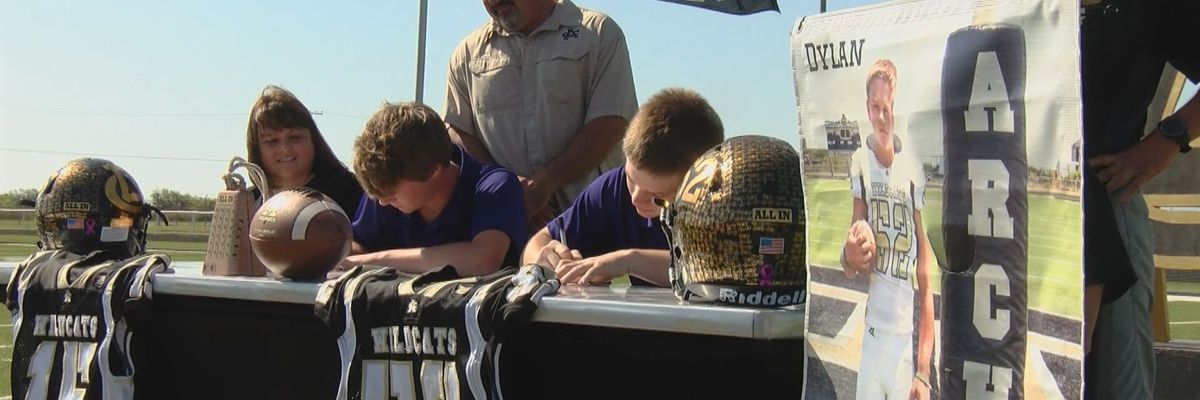 Archer City step-brothers sign for college football together