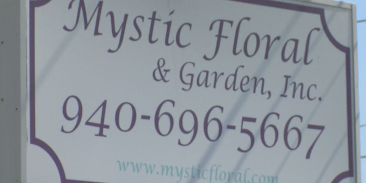 Florist makes changes for a COVID-19 Mother's Day