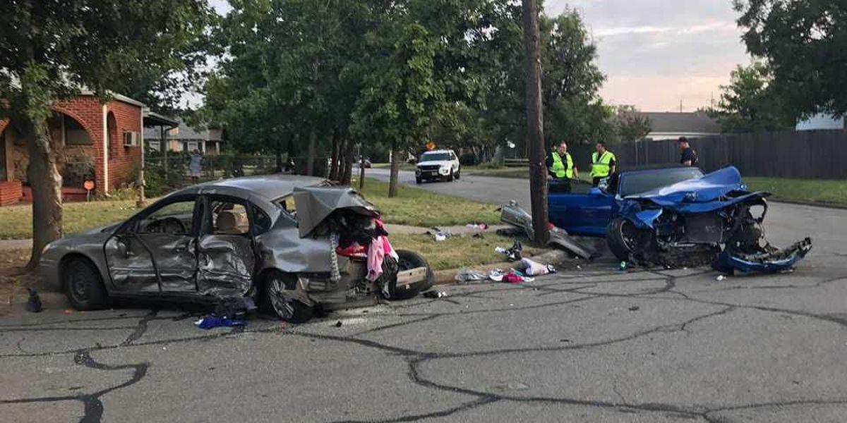 2 injured in Wichita Falls car crash