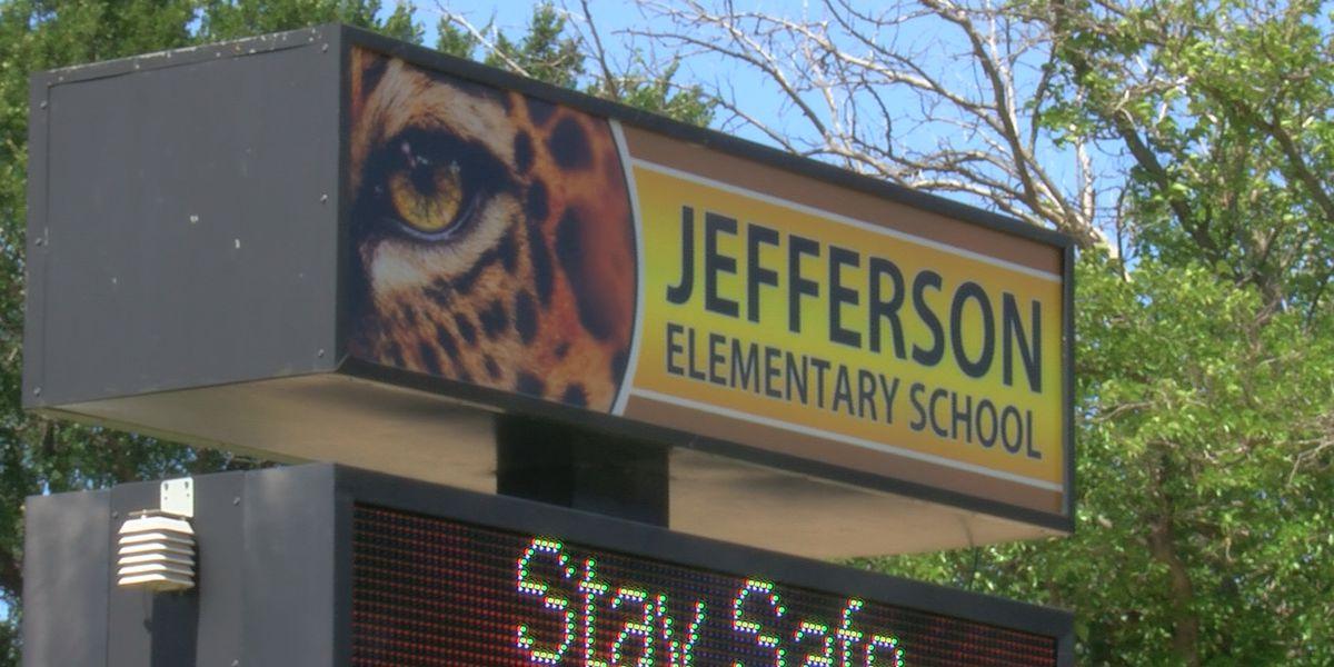 Jefferson Elementary hosts outdoor graduation