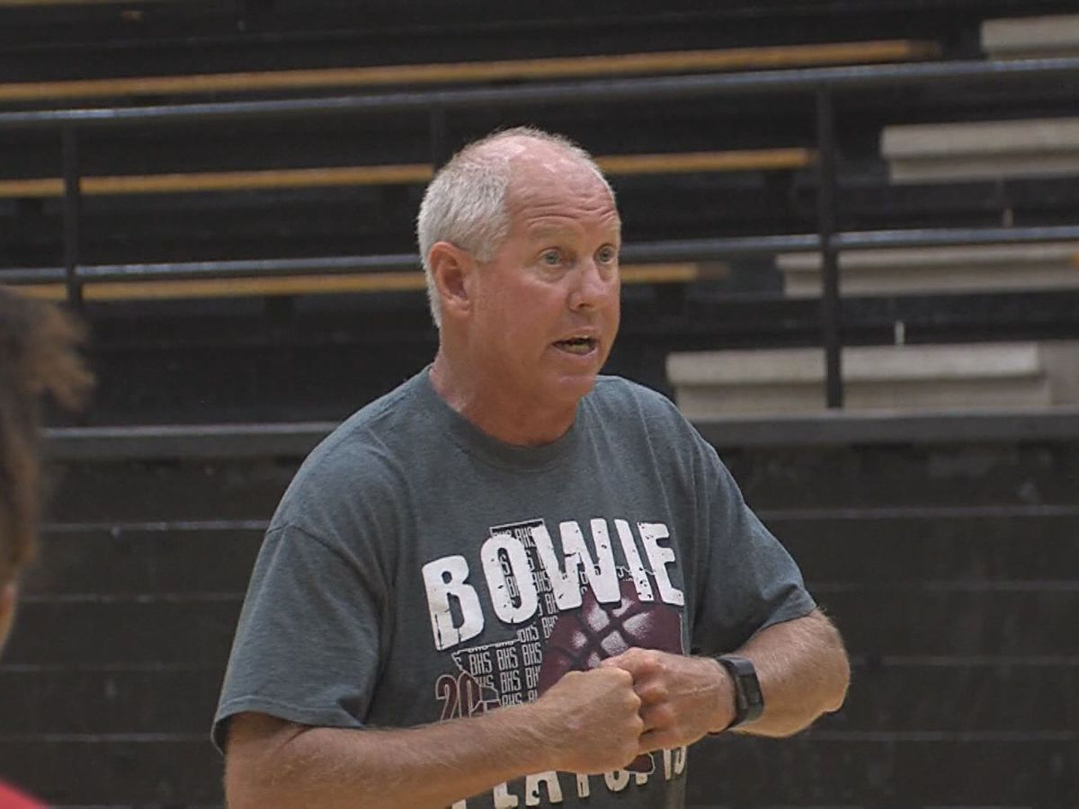 Bowie coach resigns