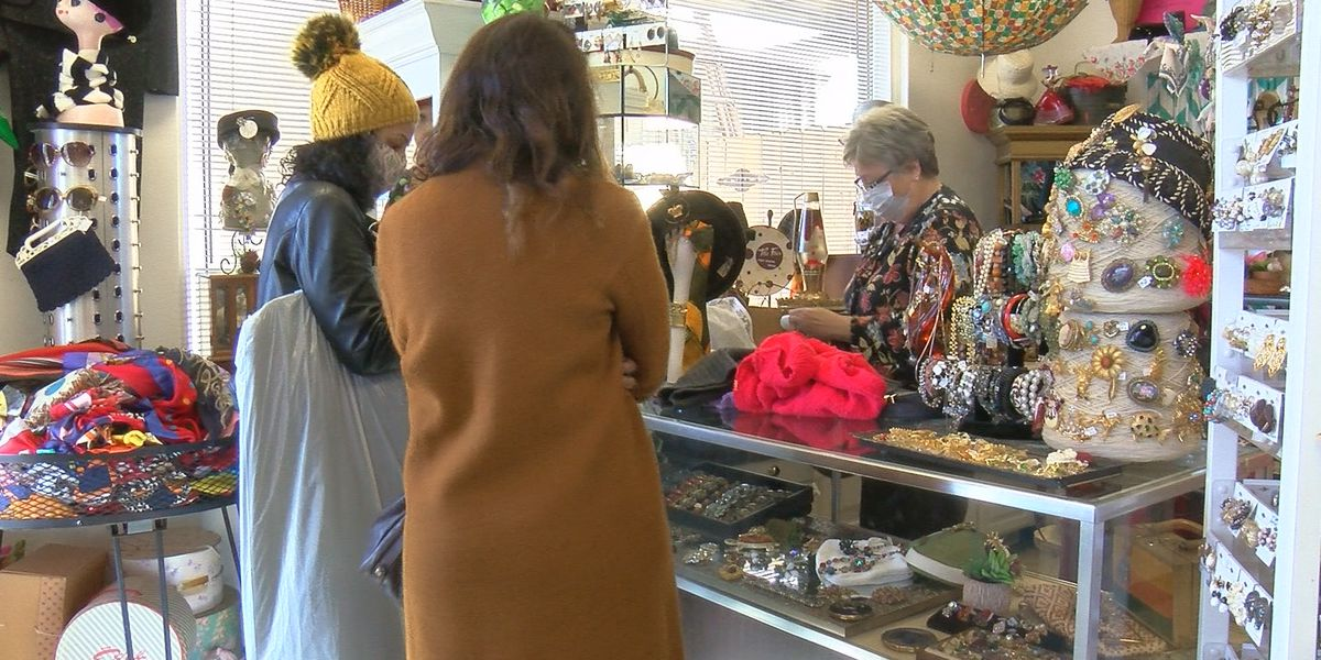 Shoppers take advantage of sales and Christmas money