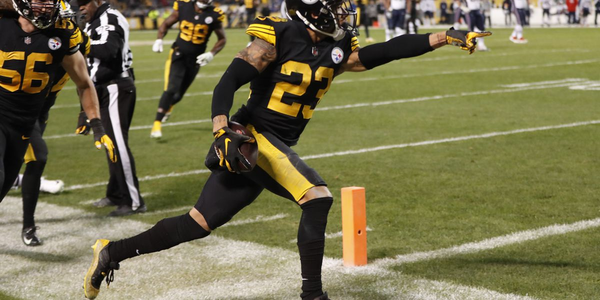 The Latest: Steelers beat Pats for first time since '11