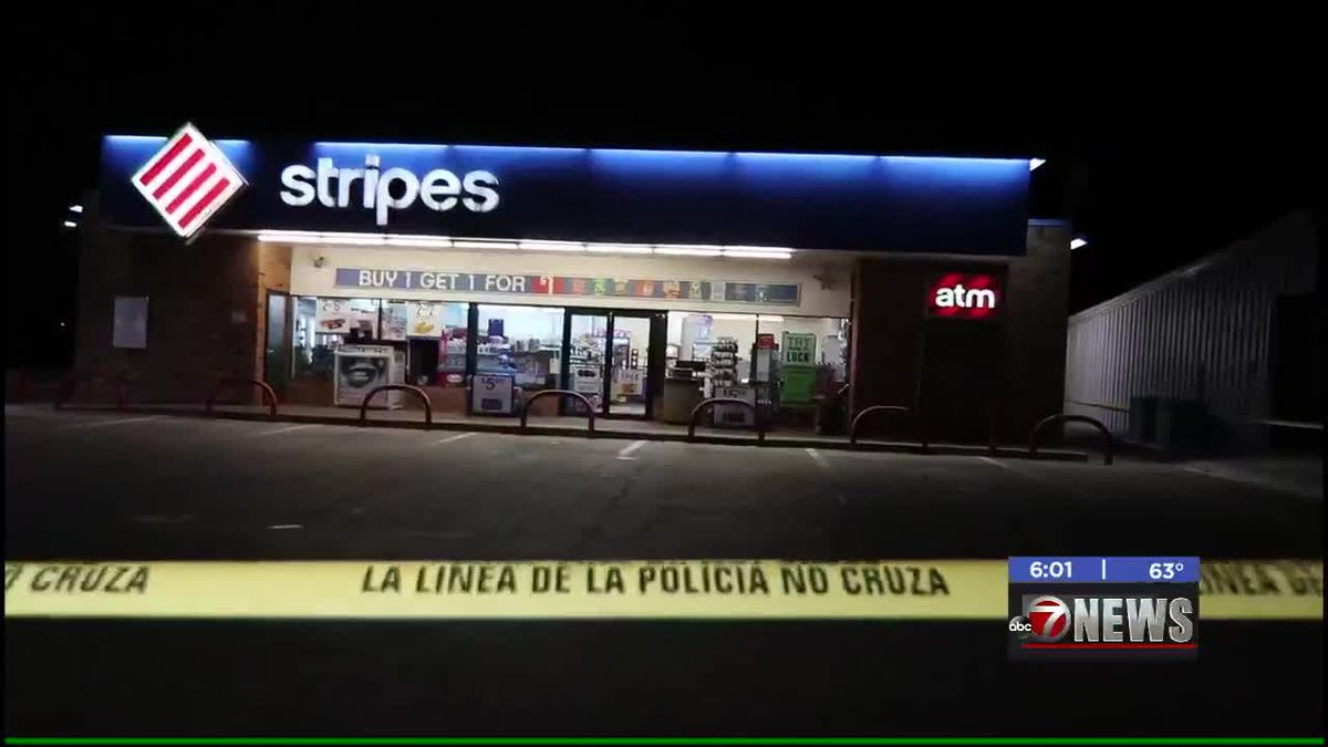 Altus convenience store robbed at gunpoint