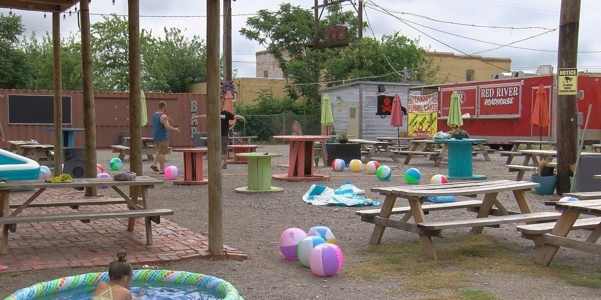 """""""The Yard"""" turns into beach for battle of the bands"""