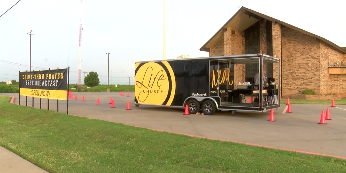 Wichita Falls church spreads hope with drive-thru prayer