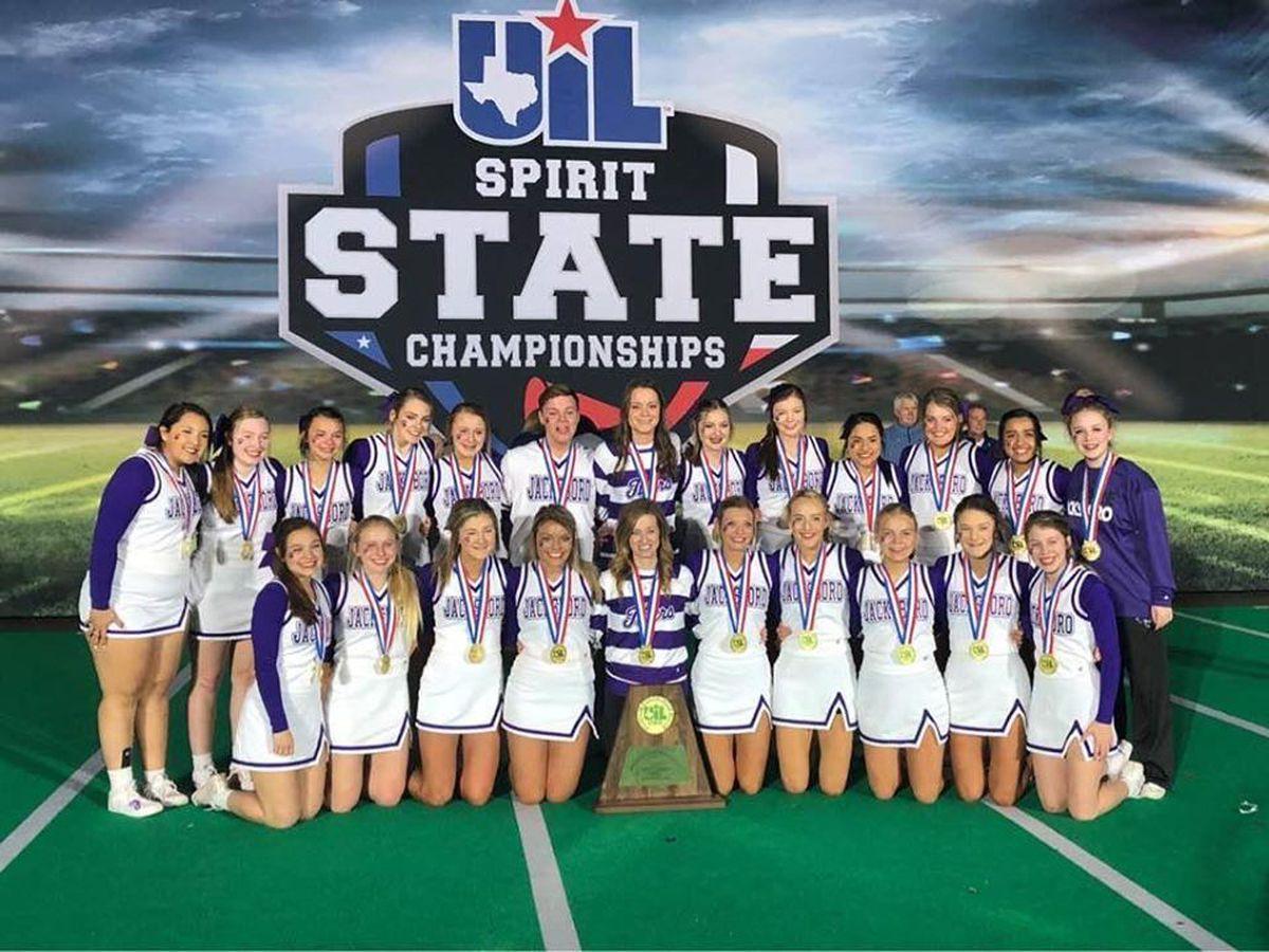 Jacksboro High School cheerleaders win state title