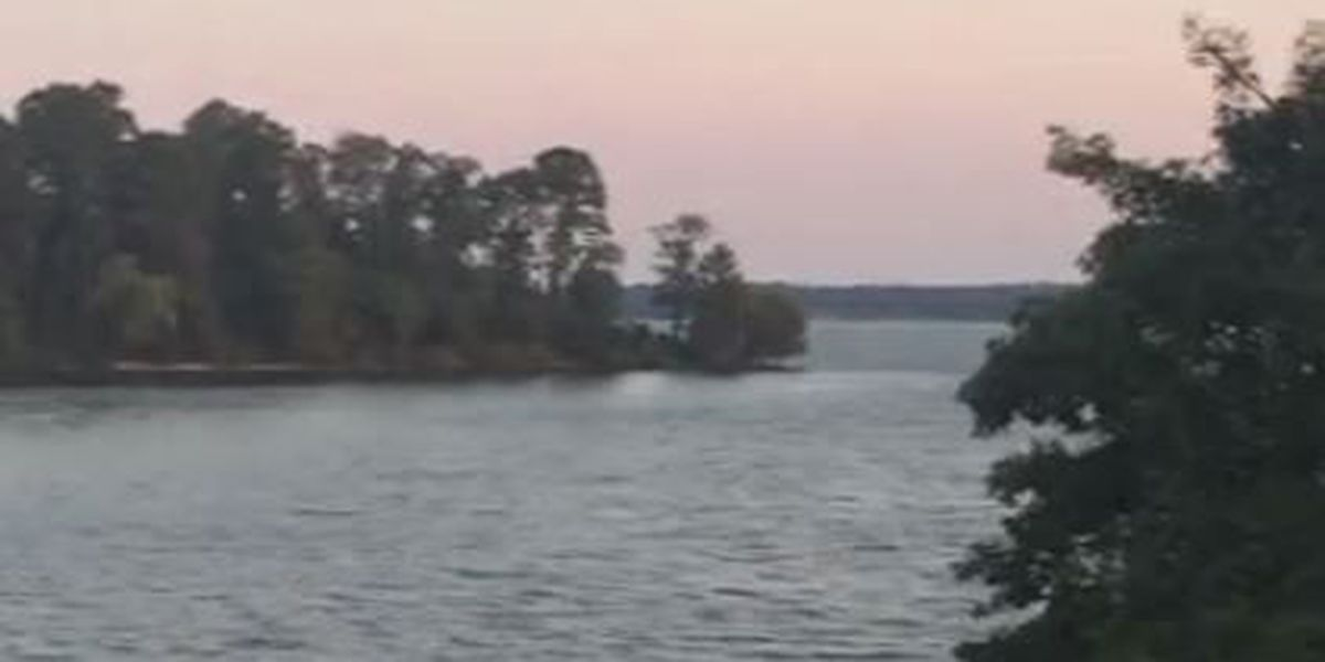 2 Boy Scouts killed, 1 injured after sail boat hits power line