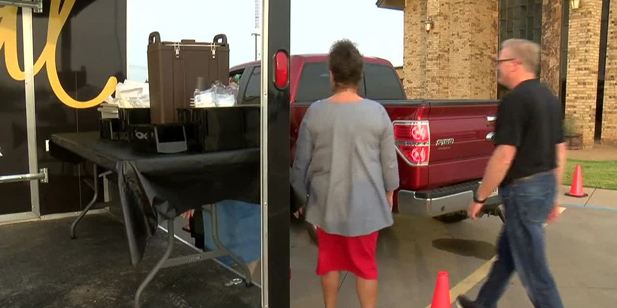 Wichita Falls church hosts drive-thru prayer