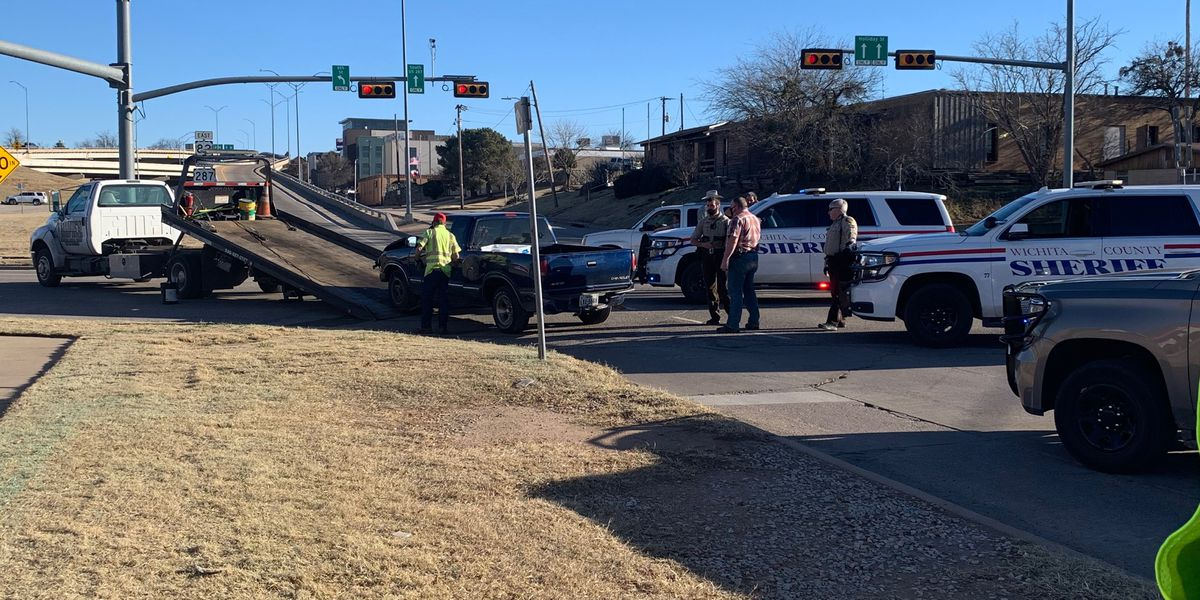 Two in custody following car chase in Wichita Falls