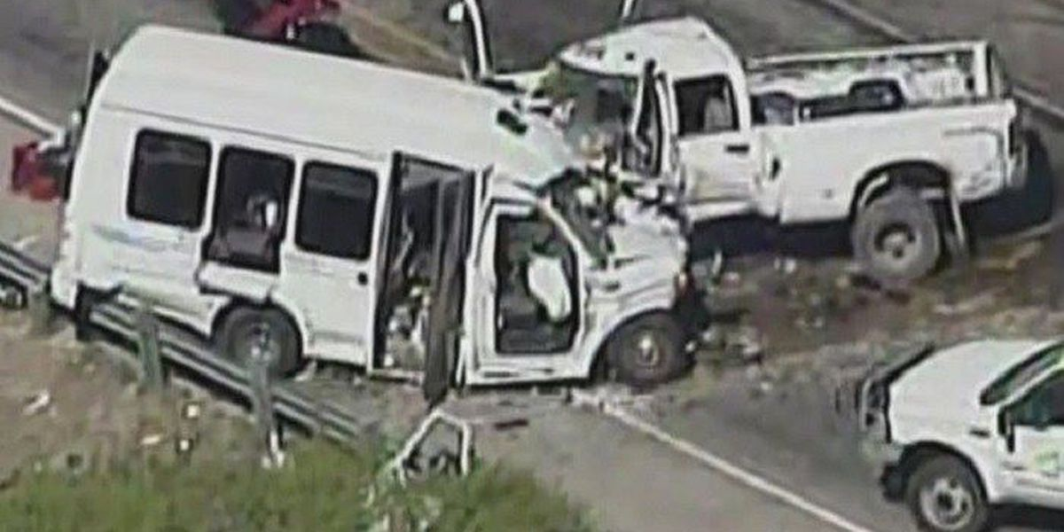 At least 12 dead in head-on collision near San Antonio