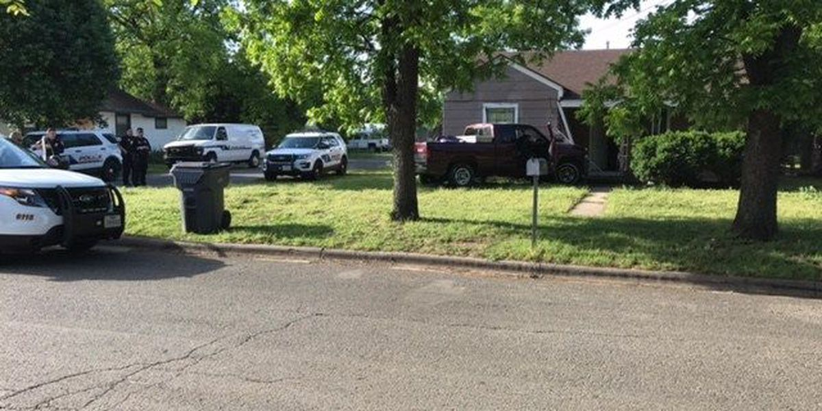 Wichita Falls Police looking for suspect following chase and crash into home