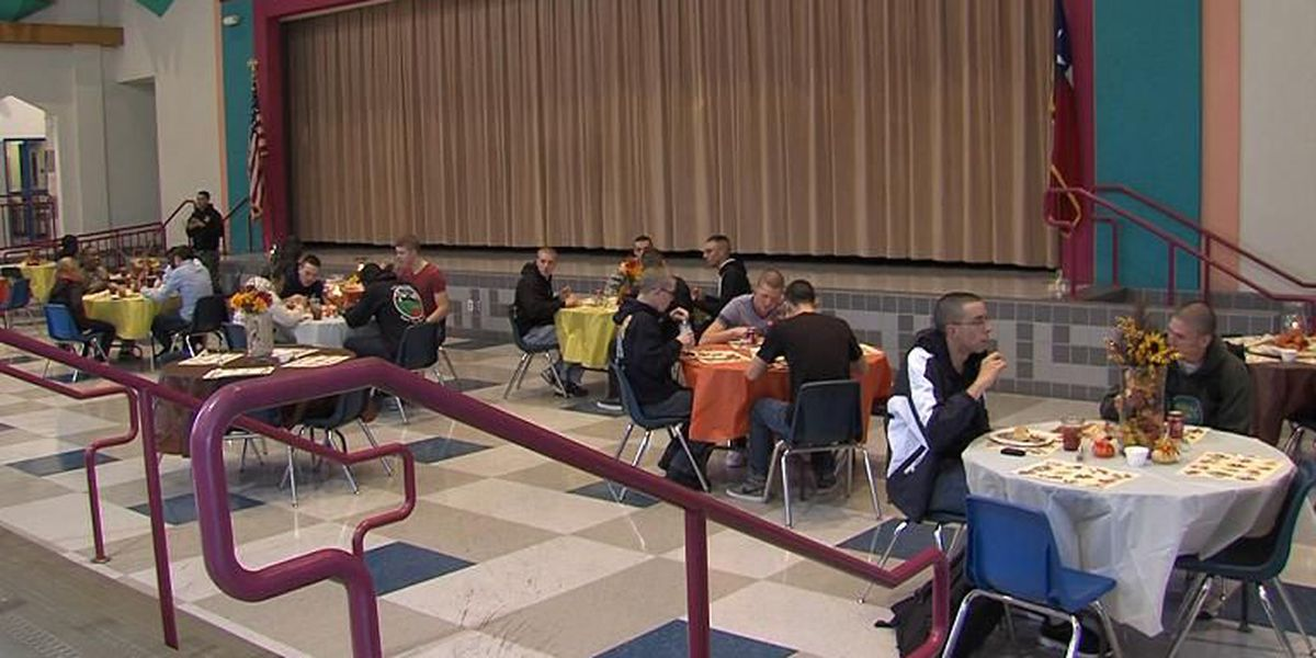 City View ISD Provides Thanksgiving Meal