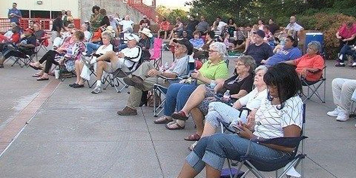 Free concert at Lake Wichita Park
