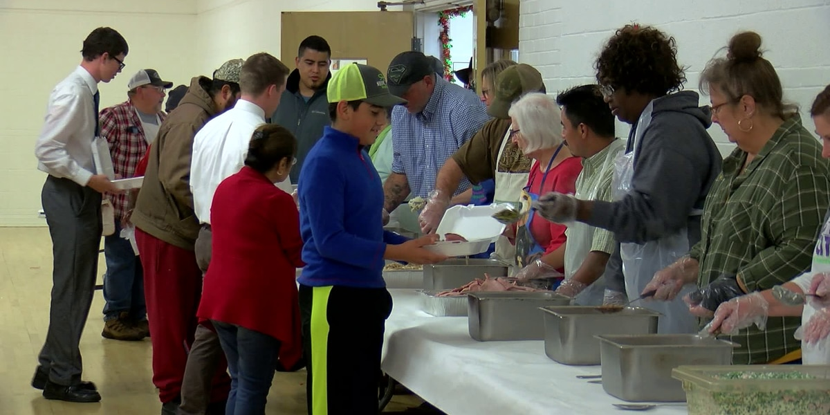 Close to 900 meals served at annual Thanksgiving Holiday Spirit Meals