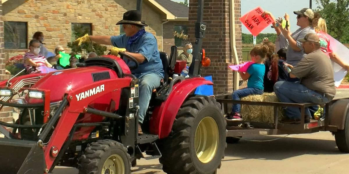 Sheridan Medical Lodge hosts drive-by parade for residents