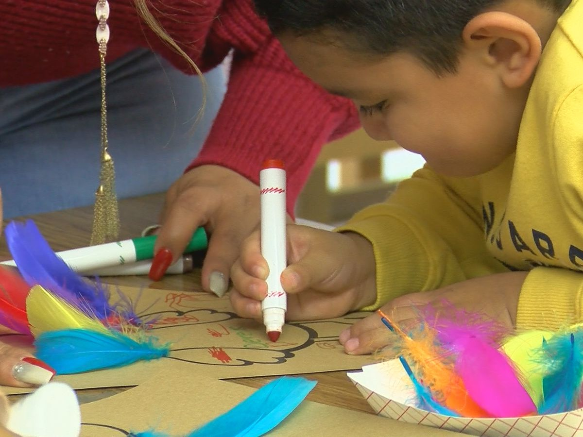 Zundy Elementary event promotes bilingual literacy