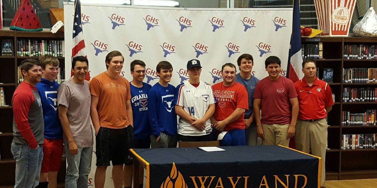 Texoma HS baseball star signs letter of intent